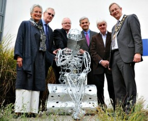 Eastleigh College unveils sculpture